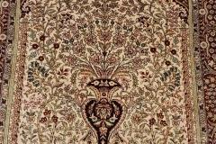 N-468, China, silk, 122 x 77 cm, China, 1700 €