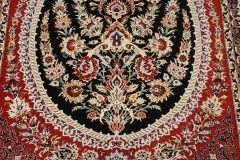 N-507, Esfahan, wool on silk, 132 x 102 cm, Iran, 3800 €