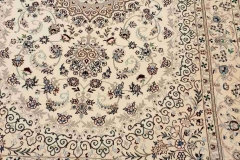 MO-58018, Nain, wool with silk, 220 x 138 cm, Iran, 3840 €
