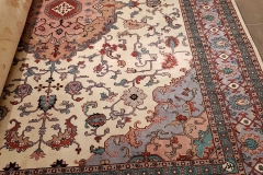 MO-10, Tabris, wool with silk, 340 x 245 cm, Iran, 2520 €
