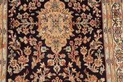 MO-101, Kashmir, silk, 93 x 62 cm, India, 380 €