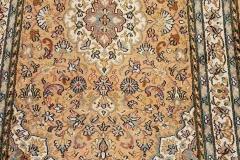 MO-112, Kashmir, silk, 124 x 77 cm, India, 650 €