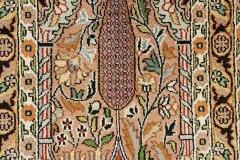 MO-85, Kashmir, silk, 64 x 46 cm, India, 190 €