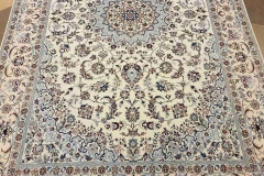 MO-509, Nain, wool with silk, 243 x 156 cm, Iran, 4360 €