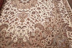 MO-530, Indo-Tabris, wool with silk, 352 x 239 cm, India, 5120 €