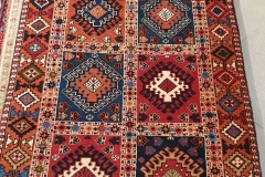 MO-39, Yalameh, wool, 390 x 82 cm, Iran, 1040 €